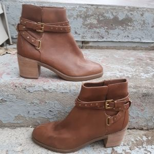 Michael Kors Fawn Leather Ankle Bootie size 9.5